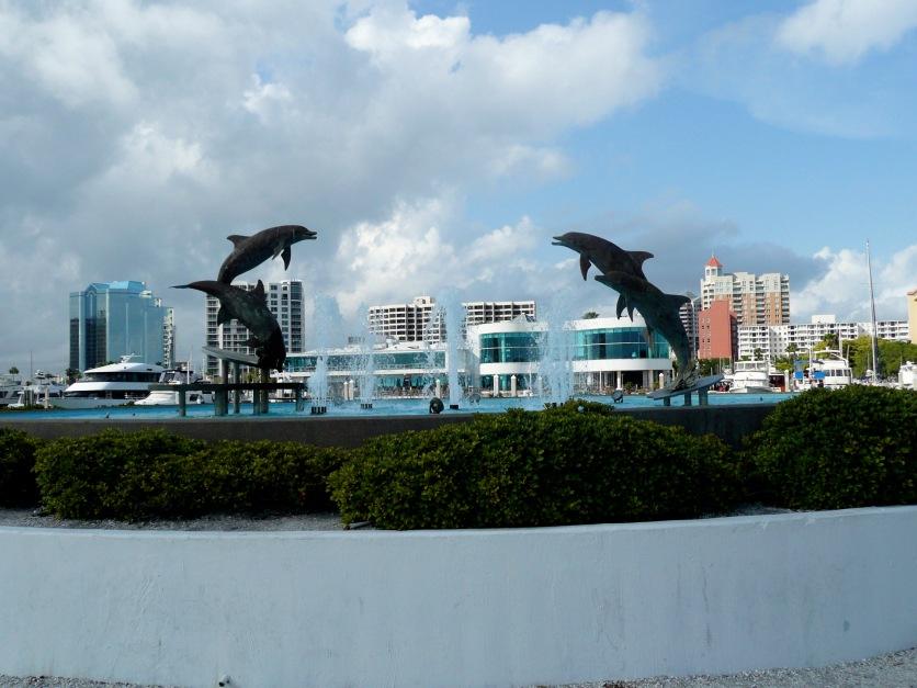 Island Park behind Marina Jack's