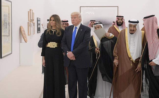 melania-trump-donald-trump-in-saudi-afp_650x400_81495345354